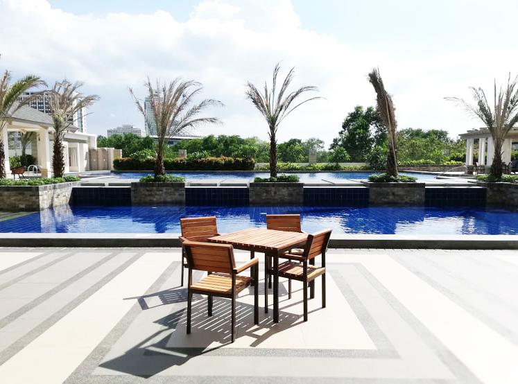 Torre De Manila Pool Area